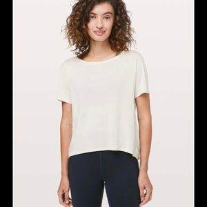 Lululemon Fall In Place Short Sleeve size 8
